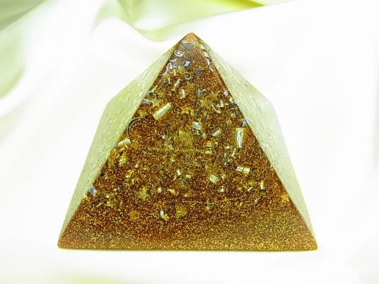 単色ピラミッド・ゴールド