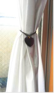 ハート型クリスタル:マゼンタの光