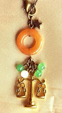 「グリーン&オレンジアベンチュリンのバランスチャーム」
