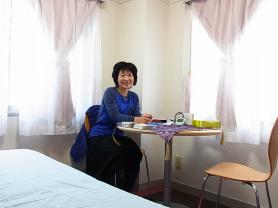 リビングトゥリーオーキッドエッセンスの輸入元代表:寺山順子先生(2016年11月のセッションのときの写真)